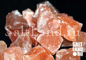 Куски розовой гималайской соли