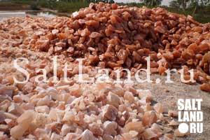 Горы гималайской розовой соли
