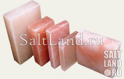 Сравнение размеров соляных плиток из розовой гималайской соли
