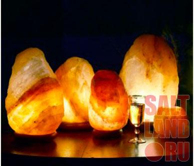 Соляные лампы на столике