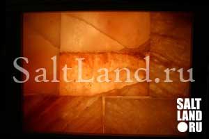 Стена из кирпичей розовой гималайской соли