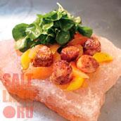 Картофель на солевой плитке