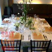 Сервировка праздничного стола плитками из гималайской соли